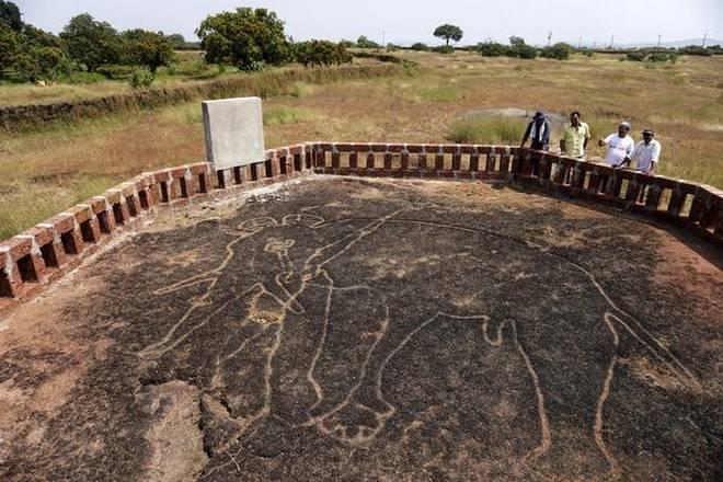 மராட்டிய வரலாறை புரட்டிப்போடும் பாறை ஓவியங்கள்! Maharastra-farmer